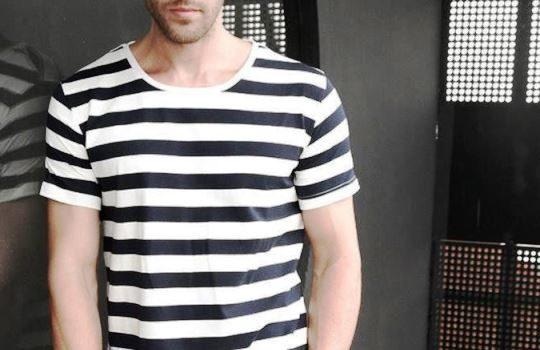 Berbagai Model Kaos yang Perlu Dimiliki Cowok